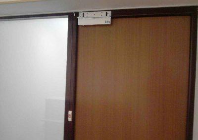 montag-sistem-kontroly-dostupa-elktromagnitnyj--zamok-na-derevanuu-dver-4151l