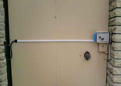 montag-sistem-kontroly-dostupa-elktromehanicheskiy-zamok-na-kalitkr