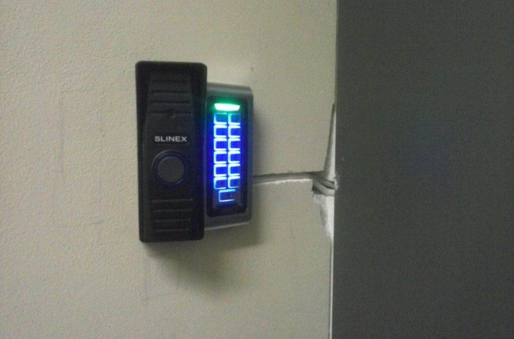 Кодовые клавиатуры для систем контроля доступа.
